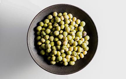 国産有機のパイオニア、金沢大地さんからいただく有機大豆